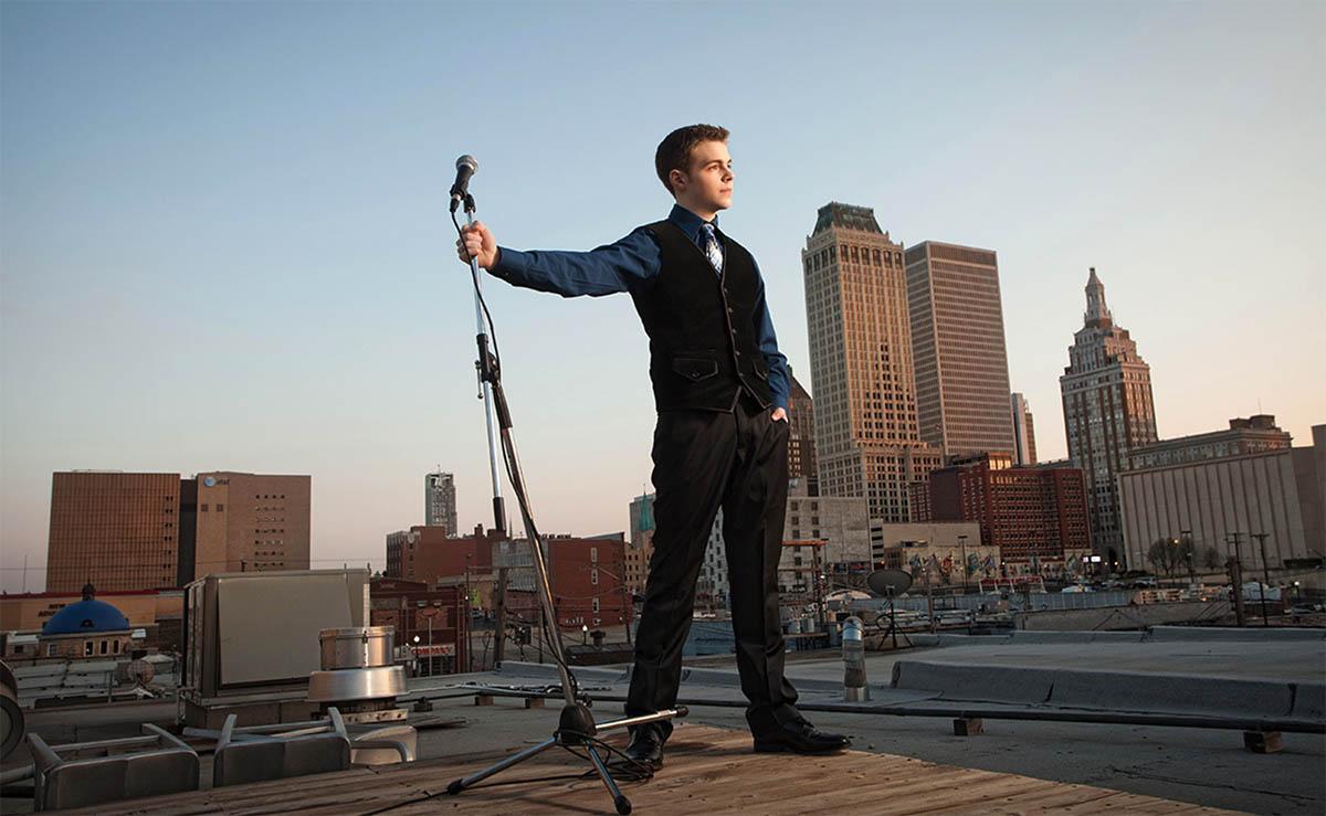 Tulsa-High-School-Senior-Photos-Rooftop-Downtown-33