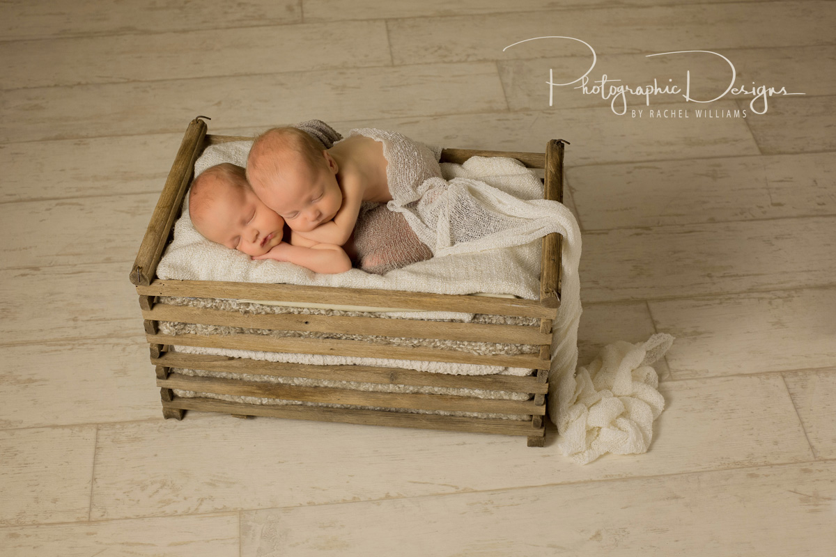 ben_and_sam_twin_tulsa_newborn_portraits_2