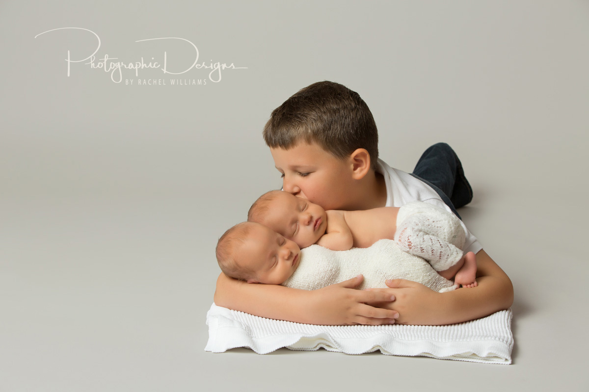 ben_and_sam_twin_tulsa_newborn_portraits_3