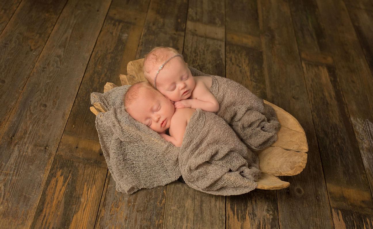 Tulsa-Newborn-Photograpyhy-Twin-Babies