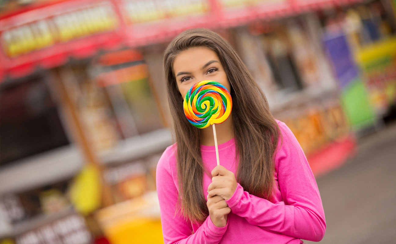 Tulsa Senior Portrait Photographer Girl Giant Lollipop